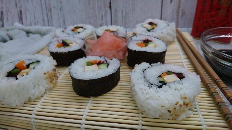Veganski sushi s algama